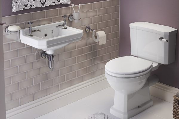 fitted-bathroom-suites-in-manchester-renovations-2