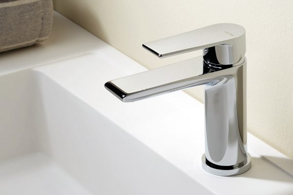 manchester-bathroom-suites-sinks-and-taps-2